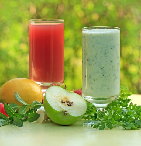 dreamstime_green smoothie green apple basil cilantro and watermelon lemon juice